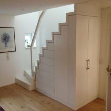 Treppe, Einbauschrank